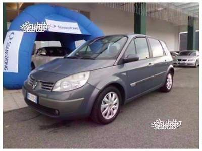 Renault Scénic 2.0 16V dCi Luxe