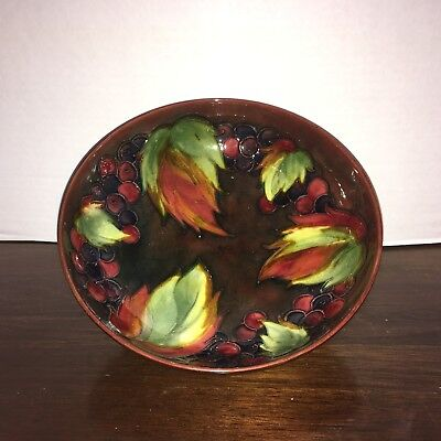Elite Top of Line Flambe Leaf and Berry Moorcroft Fruit Bowl, Made in England