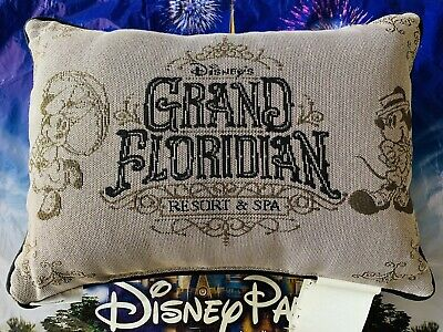 2018 Disney Parks Mickey and Minnie Grand Floridian Hotel Pillow Brand New Tags