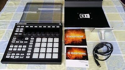 Native Instruments Maschine mk2 w/ decksaver and stand
