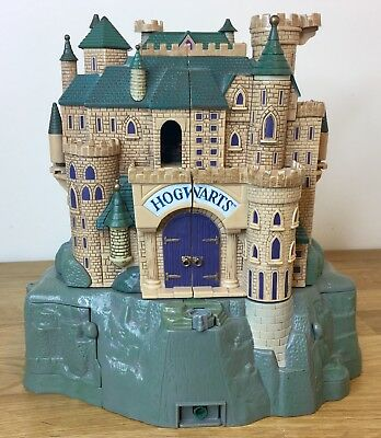 Rare Harry Potter Polly Pocket HOGWARTS PLAY SET