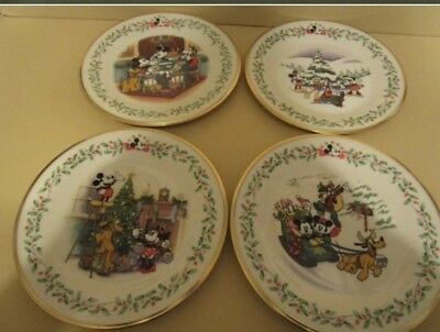 Retired Lenox Christmas Holiday Plate DISNEY FEATURING MICKEY & CO Set of 4