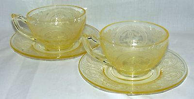 2 Indiana No 612* HORSESHOE YELLOW *CUPS & SAUCERS*