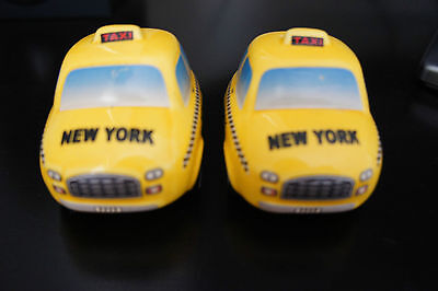 CERAMIC Super cute NEW YORK NY TAXI SALT AND PEPPER SET FREE LOCAL POST