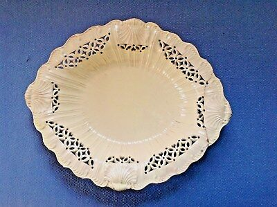 c1790 EARLY ENGLISH CREAMWARE SHELL-DECOR DISH, PIERCED/RIBBED/FEATHERED EDGES