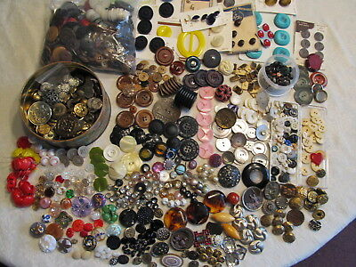 4+ Lbs Lot Vintage Antique Buttons 100+ Glass Metal Picture Rhinestone Bakelite