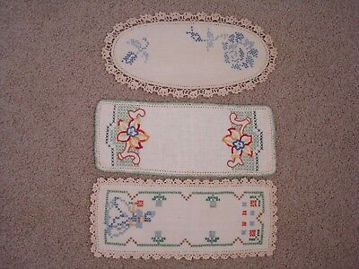 3 x VINTAGE EMBROIDERED SANDWICH DOILIES