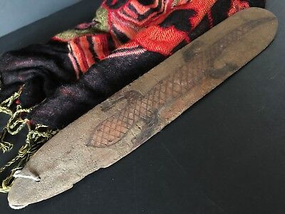 Old Australian Aboriginal Bull Roarer with Carved Goanna  …beautiful aged patina
