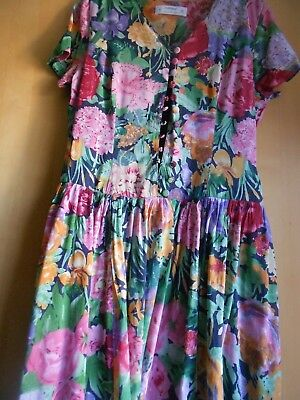 Vintage Ladies M&S Floral Day Dress Cotton Mix Fabric fully lined Size 14