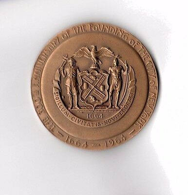 Collector Medallion of the New York World's Fair 1965 / NYC 300th Anniversary