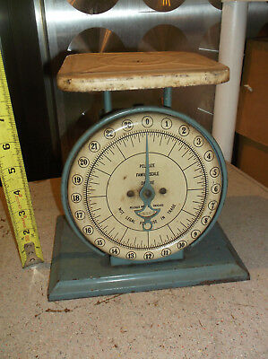Vintage Pelouze stunning Family Scale Farm Art Deco Kitchen 24 Lb Blue Metal