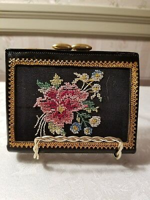 VINTAGE Made in England Saddle Goat  Kiss Lock Coin Purse Wallet 3 x 4 Inch