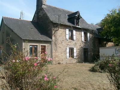 BRITTANY FARMHOUSES +BARNS AND OUTBUILDINGS 2.5 CONSTRUCTABLE LAND 130000 Euro