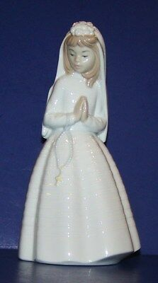 "Beautiful Nao By Lladro Porcelain First Communion Girl Praying 9 1/4"" Figurine"