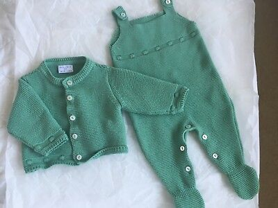 Neck & Neck baby knitted set