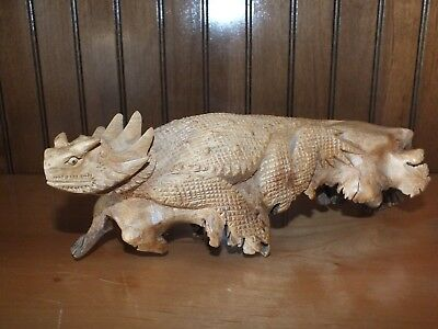 Horned Lizard Jempinis Wood Sculpture, Horned Toad Chinaberry Carved Sculpture