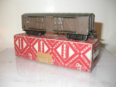 Märklin 332 Covered wagon in very good condition. With box