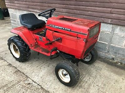 MTD 828 18HP Compact garden tractor ideal for small holding, equestrian yard etc