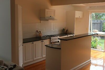 Used Kitchen Including Cooktop/ Oven And Dishwasher