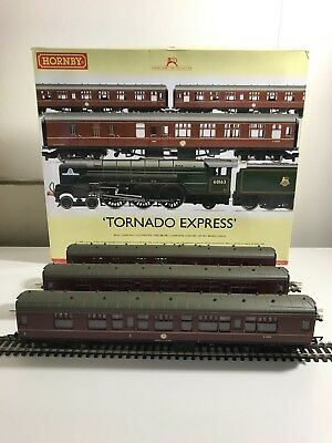3x Hornby BR Mk1 Coaches in maroon from Tornado Express Pack R3059
