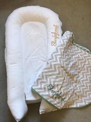 Sleepyhead deluxe plus pod with spare cover - excellent condition