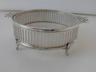Solid silver butter dish with frosted glass liner, Birmingham 1910, 42.2 grams
