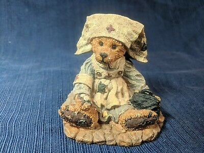 "Boyds Bears ""Clara..The Nurse"" # 2231 Very retired 1993 NIB Nurse Bear"