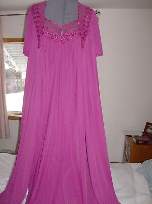 Vintage Shadowline S-M, burgundy nylon long nightgown and robe with lace
