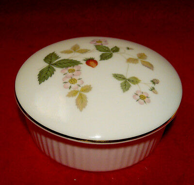 Wedgwood *wild Strawberry* Round Trinket Box Made In England