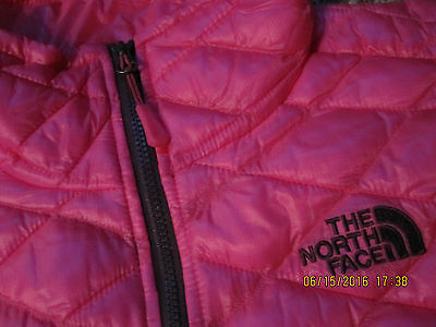 NWT $149 NORTHFACE Womens S Thermoball Quilted Vest  Glo PINK 100% Authentic