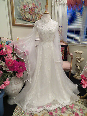 Vintage Lace Victorian Style Fairy Sleeve Wedding Dress Size 4 - 6