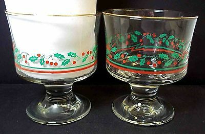 Set 2 Arby's Holly & Berries stemmed sherbets Libbey 1980s 8 oz Christmas