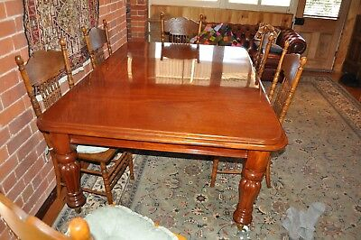 Antique Dining table mahogany dining room table, 1840's, french polished in good