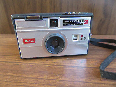 VINTAGE KODAK INSTAMATIC 50 126 FILM CAMERA with CASE – COLLECTABLE