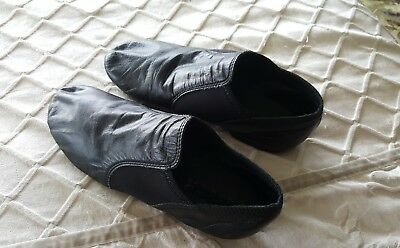 Black Leather CAPEZIO Jazz Shoes 11.5N