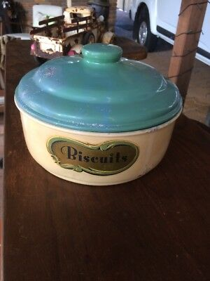 VINTAGE TIN BISCUITS CANISTER. 235mm DIAMETER. 135mm TALL. GREAT DISPLAY