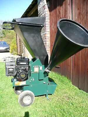 Masport 6.5 XL Wood Chipper Shreader. only use about 1 hour.
