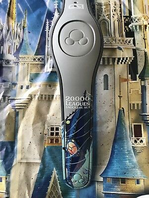 NEW DISNEY PARKS 20,000 Leagues Under The Sea Nautilus Gray Magicband 2
