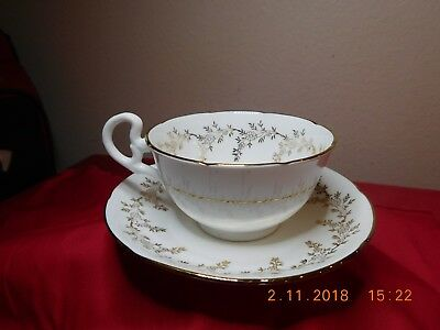Royal Grafton Bone China 8279 Gold Leaf Cup And Saucer Replacement