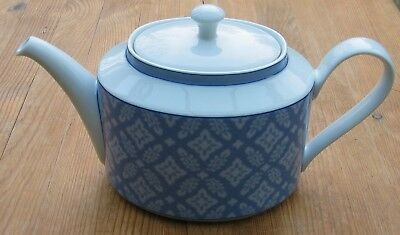 Laura Ashley Sally Porcelain Teapot 2.2 Pints Blue And White Hutschenreuther