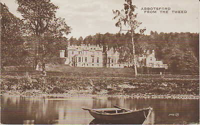 SCOTLAND  Roxburghshire - ABBOTSFORD FROM THE TWEED- POSTCARD #
