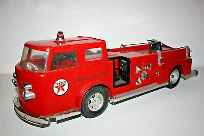 Vintage 1960's BUDDY L Pressed Steel Fire Chief Truck