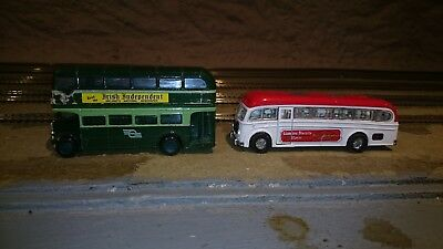 diecast model buses twin pack