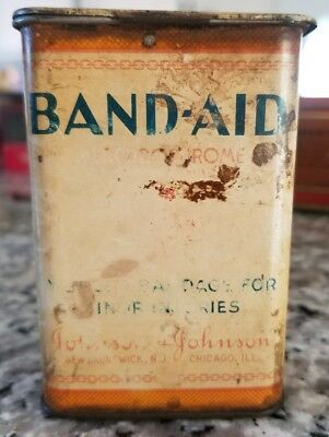 Vintage  JOHNSON & JOHNSON Hinge Top BAND AID Tin Container