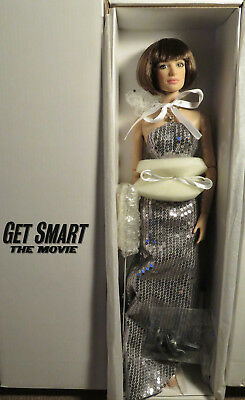 """Tonner DANCING WITH A SPY Anne Hathaway Doll_16""""_GET SMART Movie NRFB"""