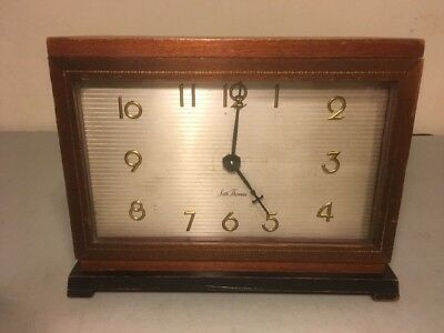 Vintage Antique Seth Thomas Wood Mantle Shelf Clock 5201 Made in USA