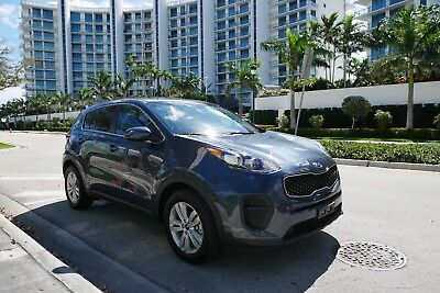 2017 Kia Sportage LX Sport Utility 4-Door 2017 Kia SPORTAGE FE LX loaded ;Back up cam;, only 21kmiles