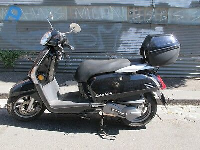 Kymco Like 125 Scooter with Riding Jacket & Helmet