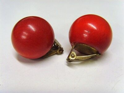 Excellent Condition, Vintage, Round, Red Wooded Clip on Earings