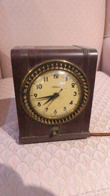 Bacelite Clock Tetechron  Model 8653  (Sold As Is )